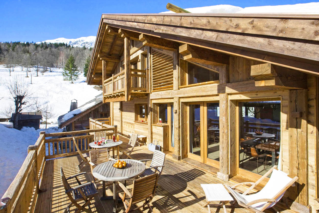 luxury villa rental Thania